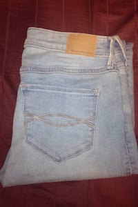 Abercrombie n fitch jeans  Langley, V3A 5A3