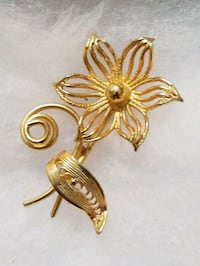 UNIQUE STYLE Gold Plated Vintage Flower Brooch Hopewell Junction, 12533