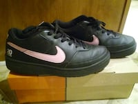 black and pink nike sneakers Tennessee, 37013