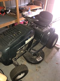 Lawn tractor  South Congaree, 29172