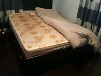 Queen size bed with mattress and storage drawers Oshawa, L1J