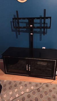 Tv unit in good condition fits up to 60 inch tv Barrie, L4N 7A2