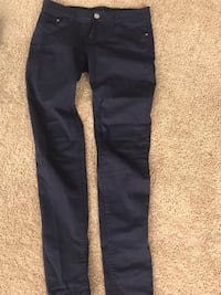Four Women's Jeans for 10$ or one Jeans for 3$ 370 mi