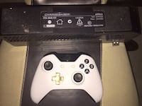 Xbox 1 controller & base charger Swansea, 02777