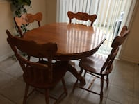 Solid dining table Mississauga, L5L