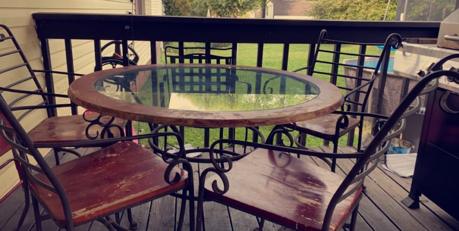 Round wooden kitchen table with round glass top  588ee4d9-fd09-4ae2-90d9-2455e226f48d