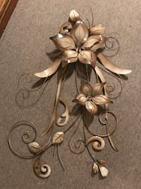 Brand new Metal Flower Home Decor Cambridge, N1T 2C6