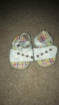baby shoes Naperville, 60565