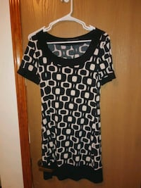 black and white scoop-neck shirt San Angelo, 76905