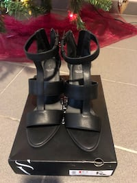 New Simply Vera Black Shoes 9.5