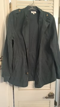 Ladies Umgee brand size small army green thin jacket  Olive Branch, 38654