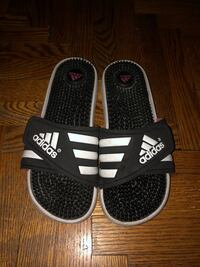 Women's adidas slides  Mississauga