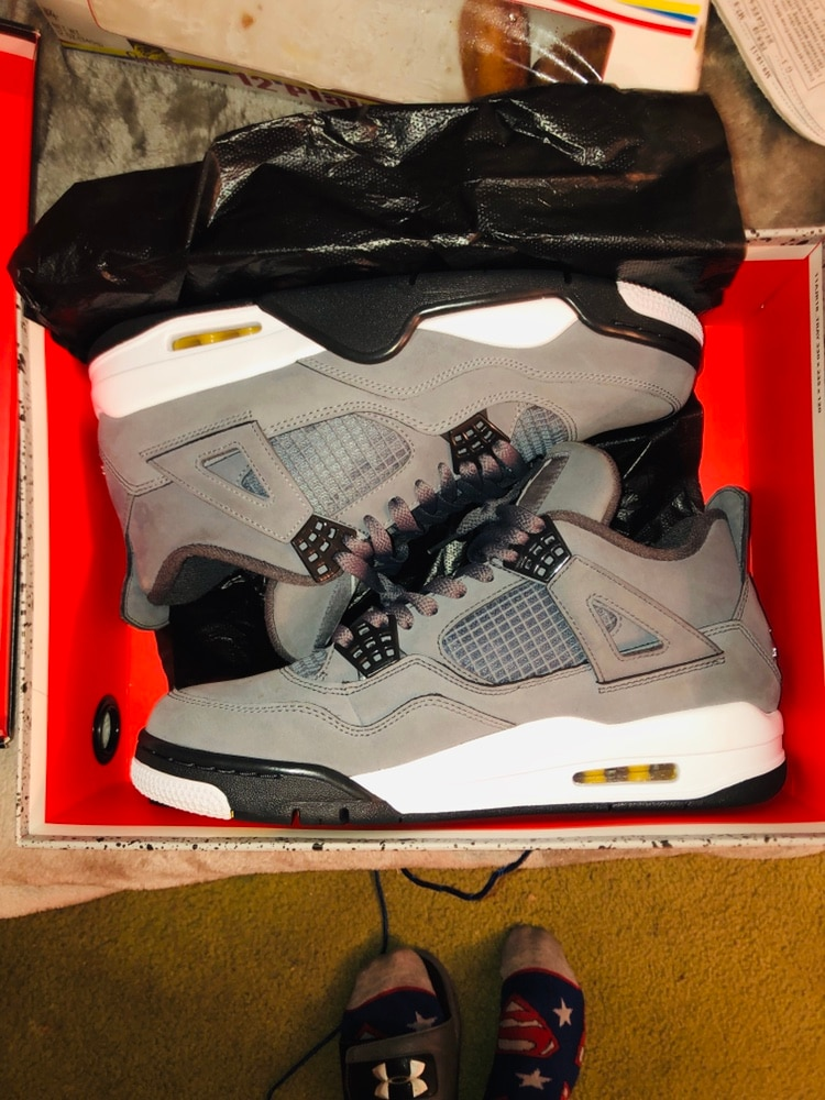 Size 9 1/2 jordan 4s cool gray new worn once
