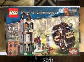 PIRATES OF THE CARIBBEAN LEGO SET