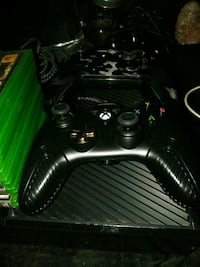 black Xbox One console with controller Phoenix, 85051