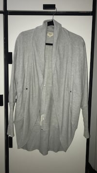 Wilfred cardigan (size XS) Vancouver, V5P
