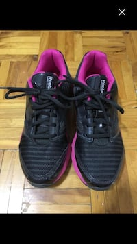 Reebok running shoes size 6 1/2 very good condition Montréal, H1G 1M5