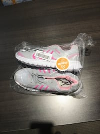 Size 7 running shoes from amazon - new never worn Kitchener, N2H 1E2