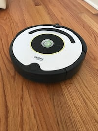 Roomba Vacuum Cleaning Robot. Model 620 Plymouth Meeting, 19462