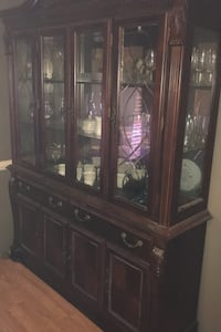 China Cabinet and China dishes Pelion, 29123