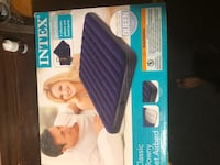 Inflatable queen air bed New with pillows pump Jersey City, 07307
