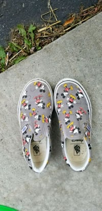 Disney vans shoes Peterborough, K9K 2S5