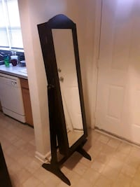 60 in mirror/jewelry cabinet Fort Meade, 20755