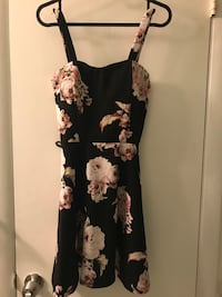 Small Casual Dress with Flowers NEGOTIABLE Hyattsville, 20783