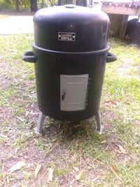 Charcoal smoker.. works great New Bern, 28560