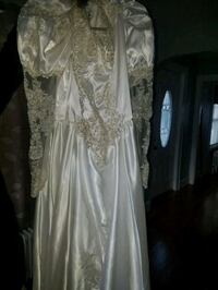 Wedding dress never been worn