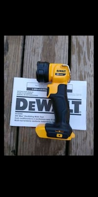 *Brand New* Dewalt 20V flashlight - Tool Only