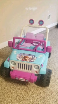 Fisher-Price Disney Frozen Jeep Wrangler Ride on Humble, 77346