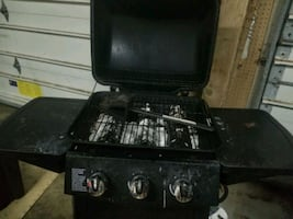 Free working bbq. Tank included.