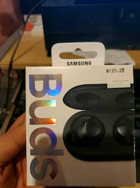Samsung earbud brand new sealed Caledon, L7C 3R4