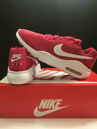 Size: Womens 8.5 (New Air Max Red W)