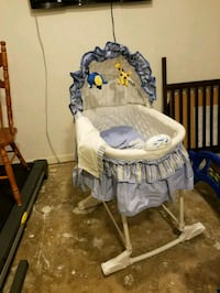baby's white and gray cradle and swing Walkersville, 21793