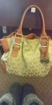 Tan and beige Authentic Michael Kors purse Kennewick, 99336