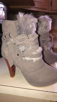 25%  off all posts this weekend!!!!!!!  grey suede chunky heeled boots Spokane, 99207