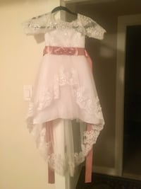 Girls size 4-5 flower girl dress Calgary, T2A 4E9