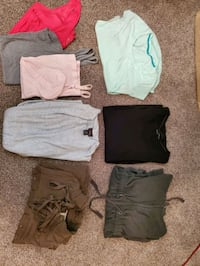 New and used maternity clothes for fall and winter. 19 total items! McKeesport, 15135