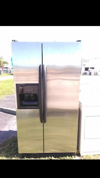 Beautiful stainless steel Refrigerator West Palm Beach, 33409