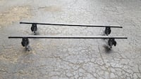Thule 48 inch square bar set with footings