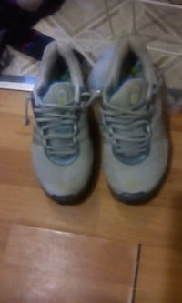 pair of gray-and-black Nike basketball shoes Moncton, E1C