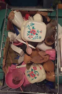 Vintage dishes and such for dolls