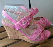 Pink sandals - size 8