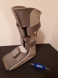 Full Length AIRCAST Walking Boot - Medium Size, with Air Pump