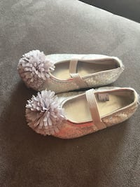 Silver sequin Toddler mary jane shoes Dearborn, 48124