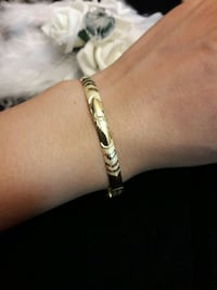 18k Gold bangle with Chanel logo Toronto, M1E