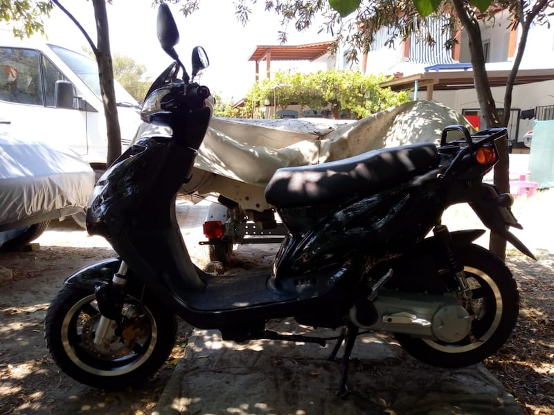 2010 Explorer Spin GE 50cc Scooter 5