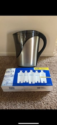 Brita pitcher with filters Simi Valley, 93065